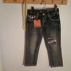 NWT Amethyst Jeans Junior 1 Low Rise Crop Jeans
